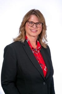 Paula Dierks, Accountant